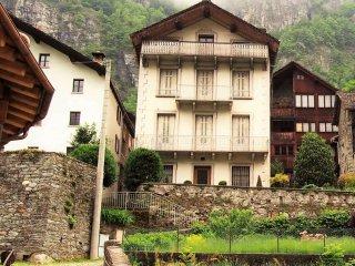 Foto 1 di Casa indipendente vicolo del Selletto, Campertogno