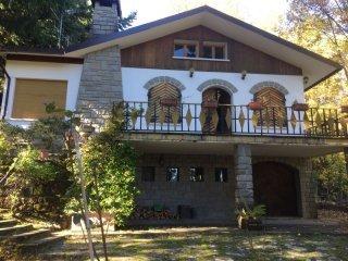 Foto 1 di Villa via don tabellini, Lizzano In Belvedere
