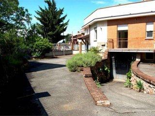 Foto 1 di Casa indipendente via Torre Pellice, Torino (zona Barriera Milano, Falchera, Barca-Bertolla)