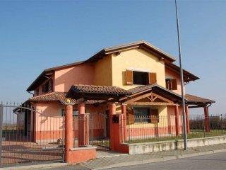 Foto 1 di Villa Livorno Ferraris