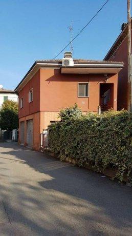 Foto 1 di Villa via Briani 3, Spilamberto