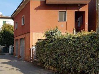 Foto 1 di Villa via Gerolamo Briani 6, Spilamberto