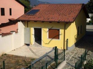 Foto 1 di Villa via Dante Boetto, Piscina