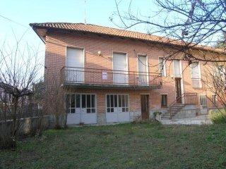 Foto 1 di Casa indipendente via Borgo, Castello Di Annone