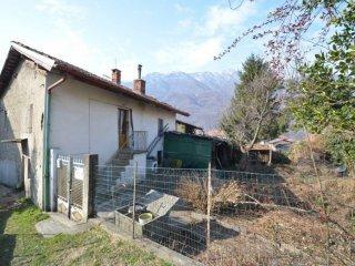 Foto 1 di Casa indipendente via Grandubbione 8, frazione Dubbione, Pinasca