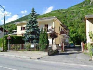 Foto 1 di Trilocale strada Provinciale 23 del Colle di Sestriere 26, Roure
