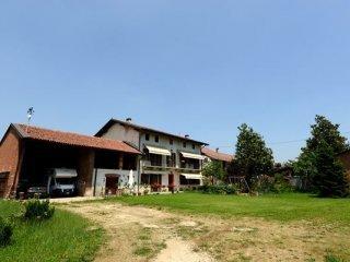 Foto 1 di Casa indipendente vallongo, Carmagnola