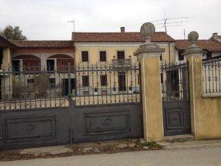 Foto 1 di Rustico / Casale via San Rocco, 39, Isola D'asti