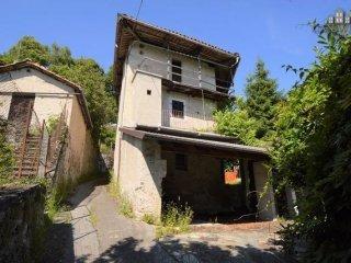 Foto 1 di Rustico vicolo Cavalice 10, Alice Superiore