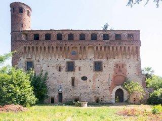 Foto 1 di Palazzo / Stabile via al Castello 118, Verzuolo