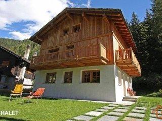 Foto 1 di Villa Rue Chemin Varasc, frazione Champoluc-champlan, Ayas