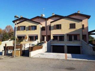 Foto 1 di Villetta a schiera vicolo Basso 9, frazione Funo, Argelato
