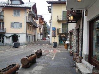 Foto 1 di Trilocale via Roma 35, Cesana Torinese