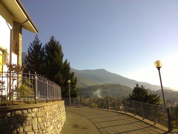 Foto 5 di Villa via Bonaventure Philibert Bornyon, Aosta