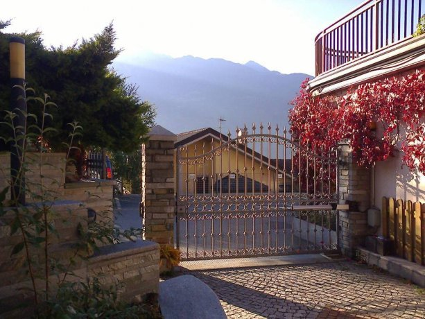 Foto 8 di Villa via Bonaventure Philibert Bornyon, Aosta