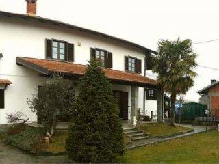 Foto 1 di Casa indipendente via piscina, Frossasco
