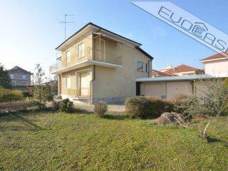 Foto 1 di Villa via Pinerolo 60, Cavour