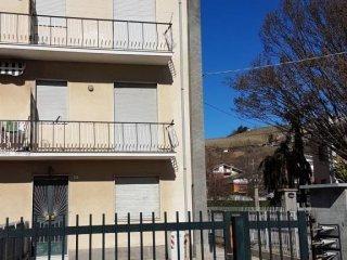 Foto 1 di Palazzo / Stabile via Statale 22, frazione Cinzano, Santa Vittoria D'alba