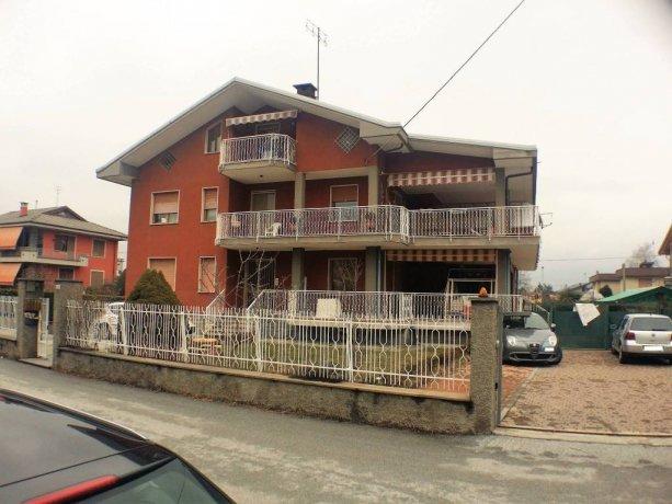 Borgo San Dalmazzo, ampio appartamento con terrazzo