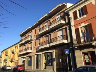 Foto 1 di Trilocale via Vittorio Veneto 27, Riva Presso Chieri centro
