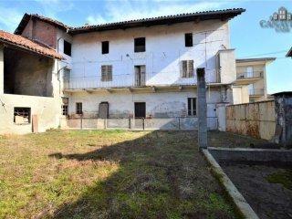 Foto 1 di Casa indipendente via Municipio 24, Ozegna