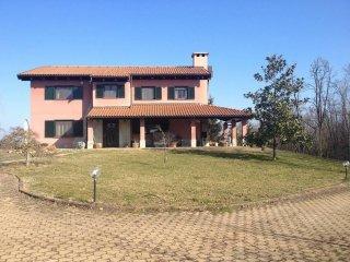 Foto 1 di Villa frazione San Bernardo, Monteu Roero