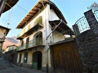 Foto 1 di Casa indipendente via Martiri 1821, Vico Canavese