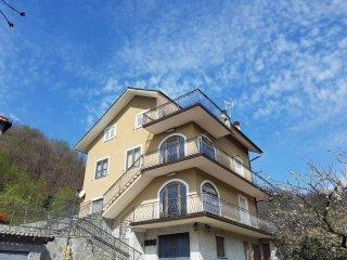 Foto 1 di Villa via Craviasco, frazione Craviasco, Lumarzo