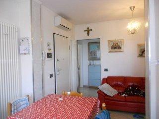 Foto 1 di Trilocale via Guglielmo Marconi, frazione Monticelli Terme, Montechiarugolo