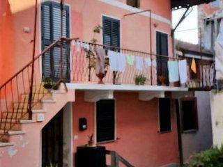 Foto 1 di Casa indipendente Chiusa Di San Michele