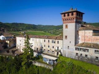 Foto 1 di Appartamento piazza Castello 1, Bubbio
