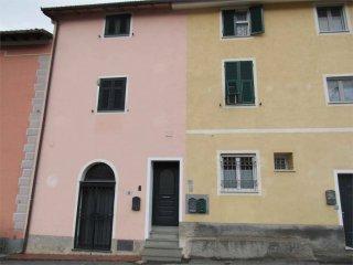 Foto 1 di Appartamento via Lerrone, 22, Garlenda