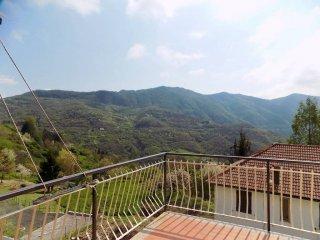 Foto 1 di Trilocale frazione Orero, Serra Riccò