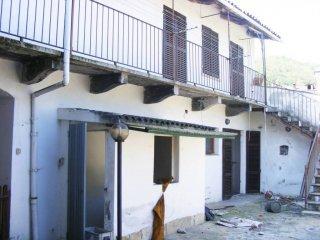 Foto 1 di Casa indipendente via Borgo Antico, Luserna San Giovanni