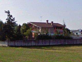 Foto 1 di Villa strada Crosassa 13C, Bra