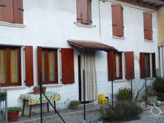 Foto 1 di Casa indipendente goito , via roma, Goito