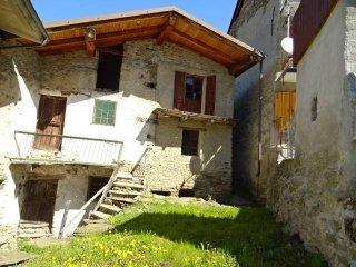 Foto 1 di Rustico / Casale frazione Villaretto, Roure