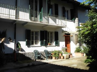 Foto 1 di Casa indipendente v. v. alfieri 2, Montaldo Scarampi