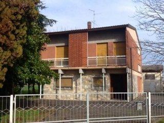 Foto 1 di Casa indipendente via Piumazzo 63, frazione Piumazzo, Castelfranco Emilia