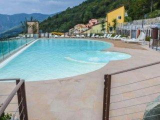 Foto 1 di Trilocale via Canova, frazione Melogno, Magliolo