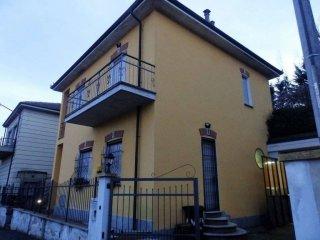 Foto 1 di Villa via Carlo Garbiglia, Asti