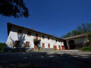 Foto 1 di Rustico / Casale via Pelisseri 3, Neive