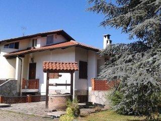 Foto 1 di Villa via Circonvallazione Ovest, Romano Canavese