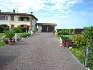 Foto 1 di Villa frazione Padulle, Sala Bolognese