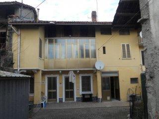 Foto 1 di Casa indipendente Bollengo
