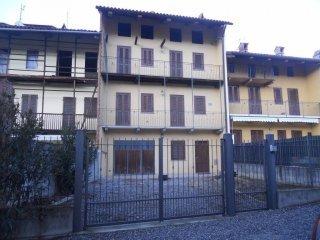Foto 1 di Casa indipendente via Perosio 34,  Caravino