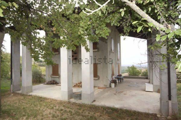 Foto 1 di Villa via Emilia Romagna, Savignano Sul Panaro