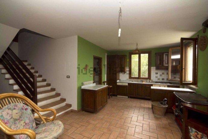 Foto 3 di Villa via Emilia Romagna, Savignano Sul Panaro