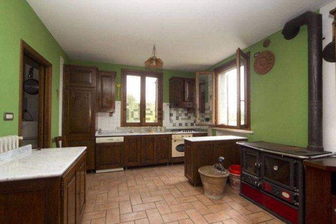 Foto 4 di Villa via Emilia Romagna, Savignano Sul Panaro