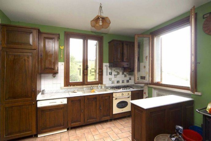 Foto 5 di Villa via Emilia Romagna, Savignano Sul Panaro